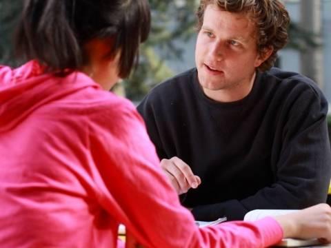 Hoe voert u een gesprek?